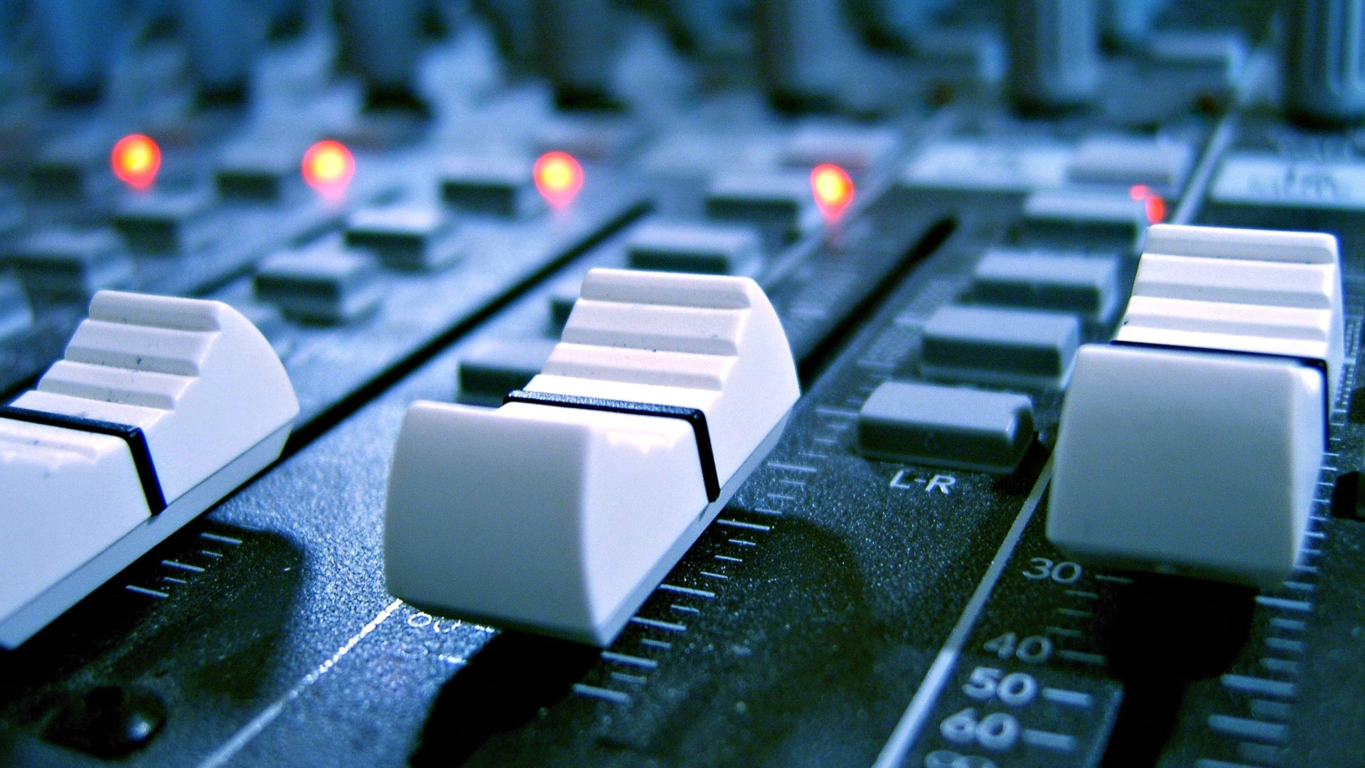five forces analysis of radio broadcasting industry